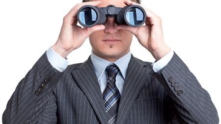 視線が気になる人の心理とは?