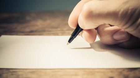 ネガティブな考え方を紙に書いてみる
