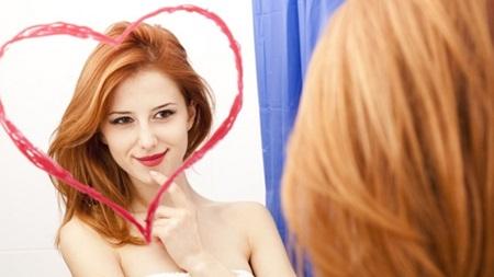 鏡を見る回数が多い