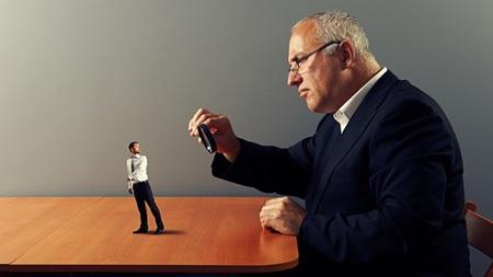 横柄な上司への対処法