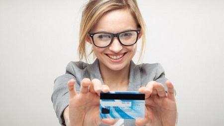 クレジットカード、キャッシュカードは出来るだけ使わない