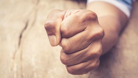 感情との付き合い方を学ぶ