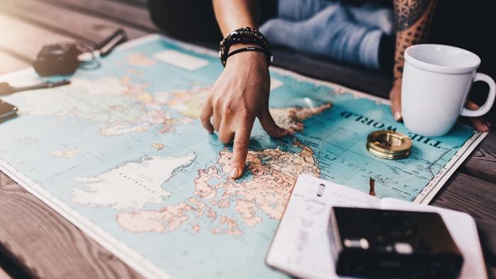 旅行に行く物理的に距離を取って諦める