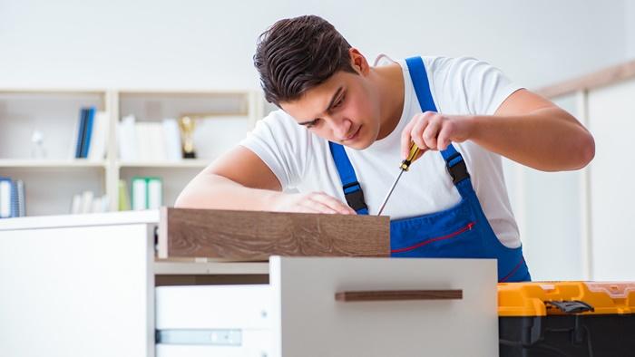 家具や家電が壊れたら買い替えずにまず自分で修理