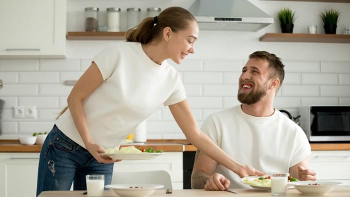 「家のごはんが一番おいしい!」料理に触れて別の角度からねぎらう