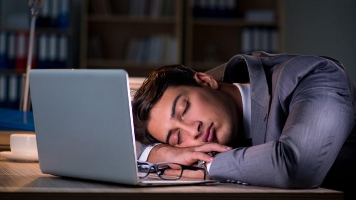 睡眠時間やプライベートな時間が少ない