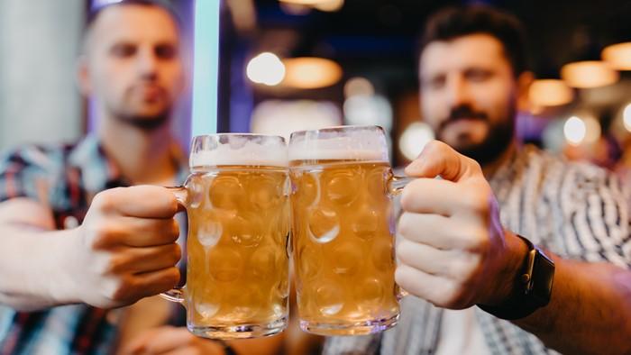 昔話でも愚痴でも何でも良い!同じ男性とお酒を飲んでいる時が最高に幸せ