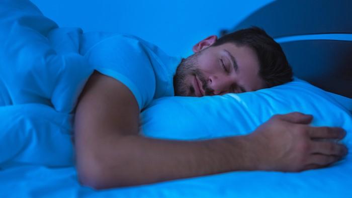 とにかく寝させてくれ!疲れていて寝るのが幸せ