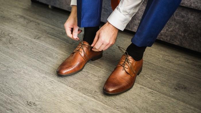 靴に汚れがない