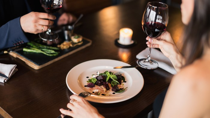 デートの時の食事はどんなレストランに行きますか?